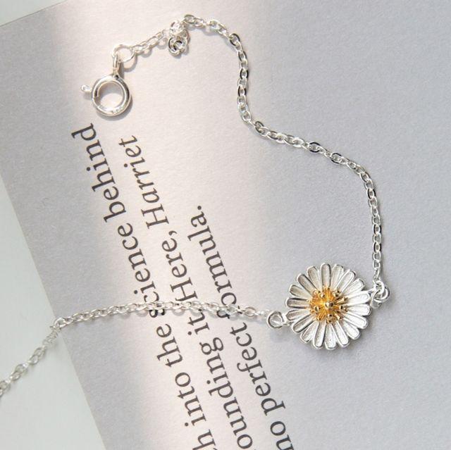 夏天必備超可愛「雛菊飾品」推薦!讓夏日小清新在耳邊綻放~