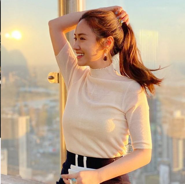 Hair, Hairstyle, Blond, Beauty, Nose, Hair coloring, Lip, Brown hair, Neck, Long hair,
