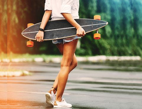 Human leg, Leg, Street fashion, Skateboard, Fashion, Longboard, Footwear, Skateboarding Equipment, Shoe, Photography,