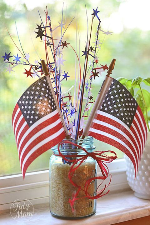 fourth of july mason jars centerpiece