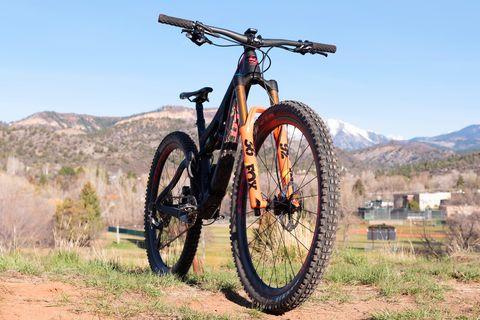 Land vehicle, Bicycle, Vehicle, Bicycle wheel, Mountain bike, Cycle sport, Spoke, Mountain bike racing, Downhill mountain biking, Mountain biking,