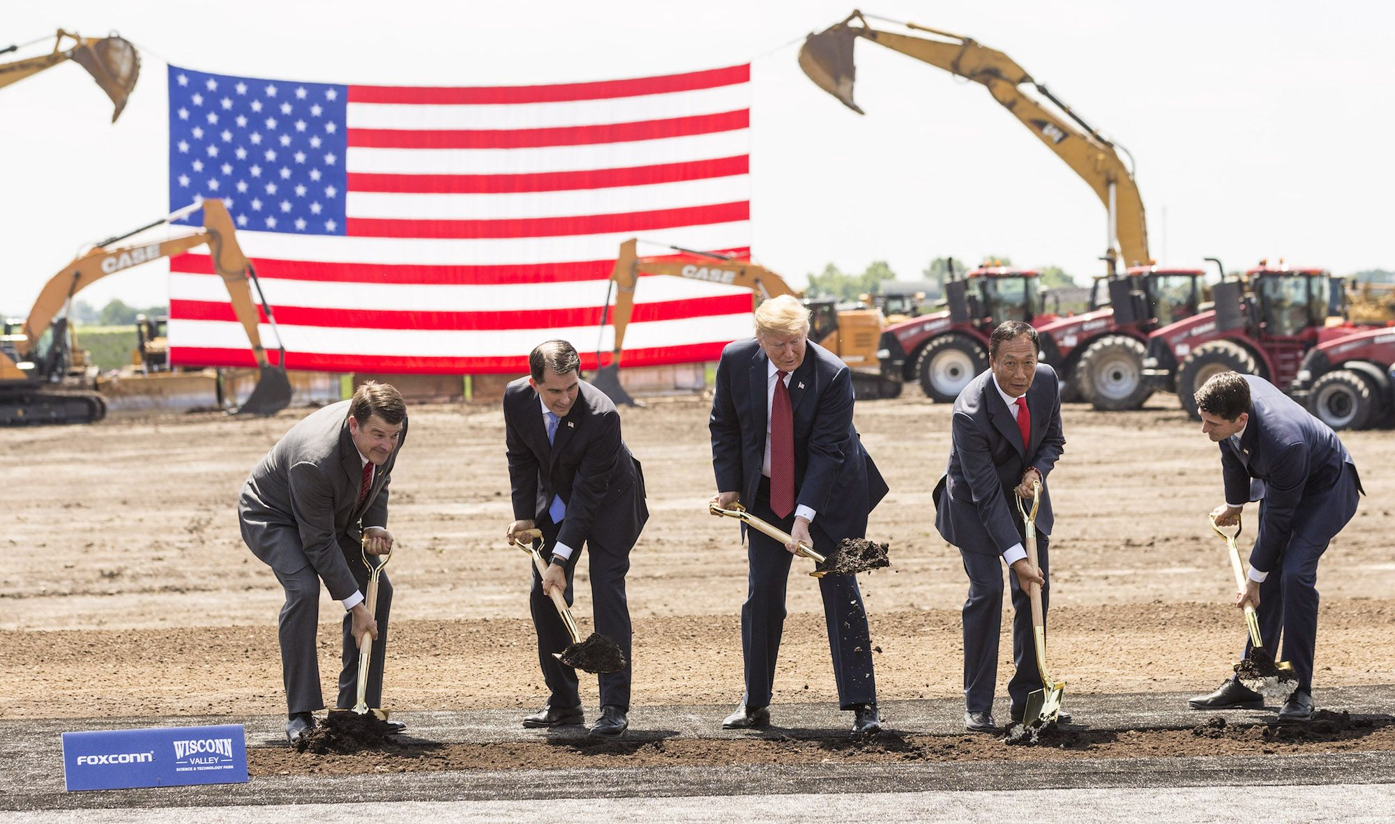Scott Walker's Foxconn Deal Is on Its Way to Becoming a World-Historical Debacle
