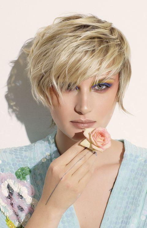 Hair, Face, Blond, Hairstyle, Bob cut, Chin, Lip, Beauty, Layered hair, Skin,