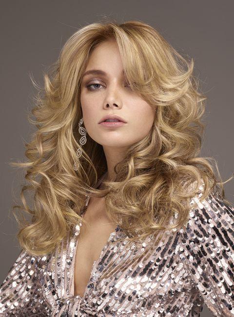 Hair, Blond, Hairstyle, Face, Long hair, Layered hair, Beauty, Brown hair, Hair coloring, Chin,