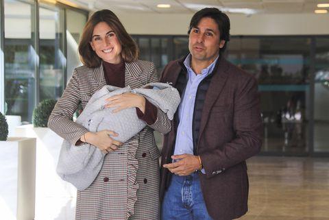 Fran Rivera y Lourdes Montes salen del hospital tras el nacimiento de su hijo Francisco