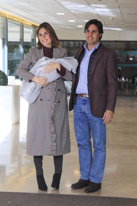 Fran Rivera y Lourdes Montes salen del hospital tras el nacimiento de su hijo Francisco 'Curro'