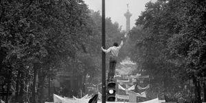 Rivolta studentesca,Bruno Barbey,Magnum Photos