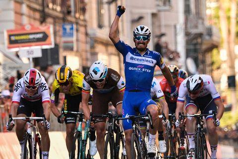 TOPSHOT-CYCLING-ITA-MILAN-SAN REMO