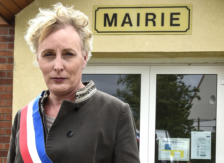 Lei è Marie Cau, la prima donna transgender a diventare sindaca in Francia (e a scrivere la storia)