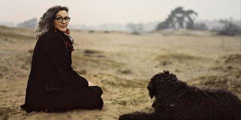 francine postma op de hei met hond