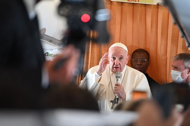 15 september 2021, slovakia,     pope francis speaks to journalists aboard an alitalia plane on the return flight from bratislava to rome he was in hungary and slovakia for a four day pilgrimage photo johannes neudeckerdpa photo by johannes neudeckerpicture alliance via getty images