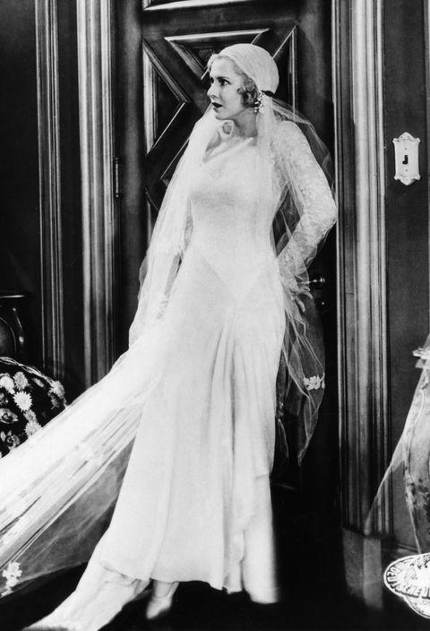 銀幕のウェディングドレス