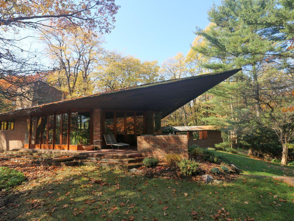 Frank Lloyd Wright Vacation Homes