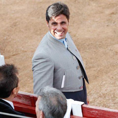Fran Rivera vuelve a vestirse de torero en una corrida en Malagón, Ciudad Real