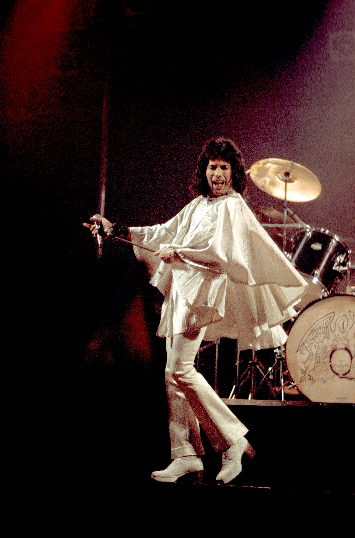 Cancion de hombre vestido de blanco