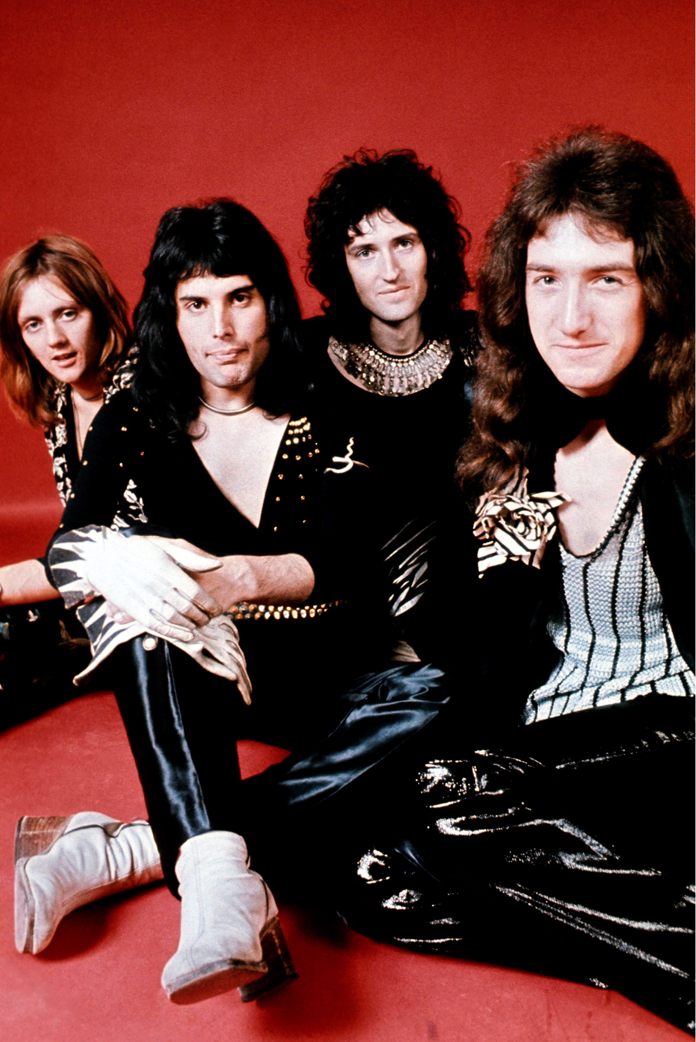 The Most Rare Stylish Photos Of Queen And Freddie Mercury Bohemian