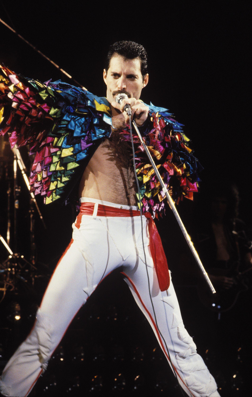 Freddie Mercury, stile Freddy Mercury, stile Queen Queen, Freddie Mercury moda, guardare Freddie Mercury, freddie mercury anniversario, Freddie Mercury Wembley, freddie mercury giro magia, la moda di mercurio freddie, stile di mercurio freddie, Freddie Mercury roccia, freddie giacca Mercury, Freddie pantaloni, giacca Mercury Freddie Mercury, Freddie camicie mercurio, scarpe Freddie Mercury, costumi di mercurio Freddie, Freddie Mercury fase, mercurio custome Freddie, Freddie Mercury travestimento