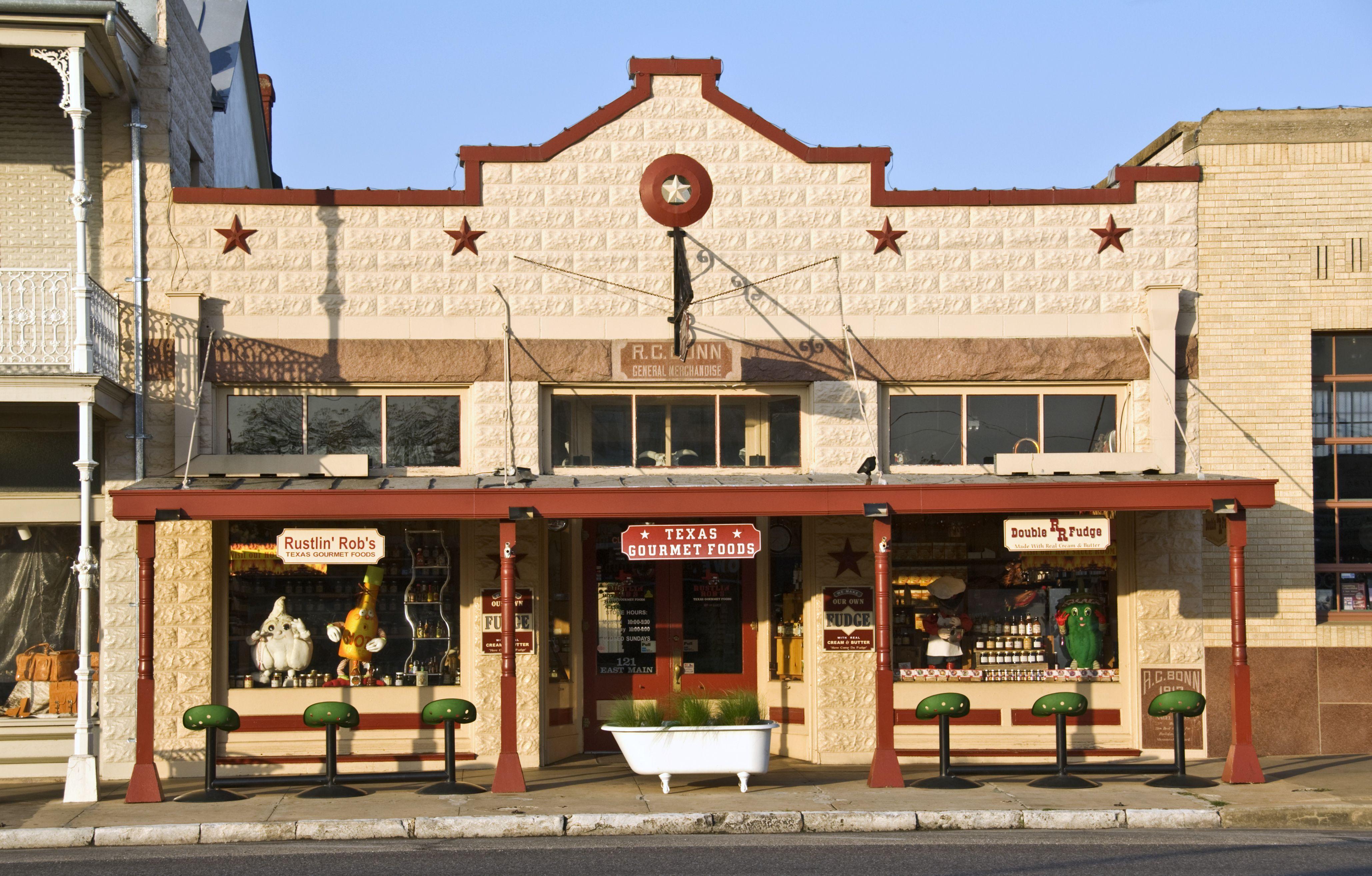 fredericksburg texas small thanksgiving town