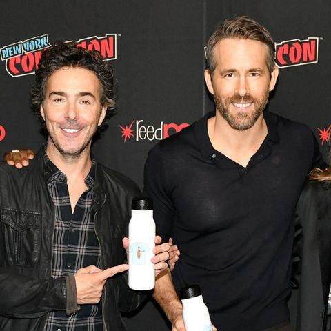 ryan reynolds and the rest of the free guy cast, with director shawn levy