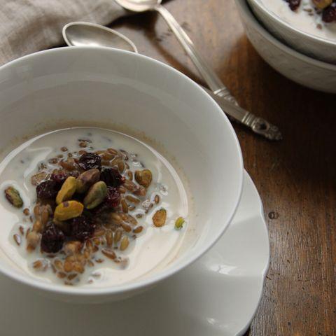 9 Breakfast Bowl Ideas from Bloggers