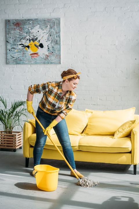 fregar en casa, una buena forma de hacer ejercicio