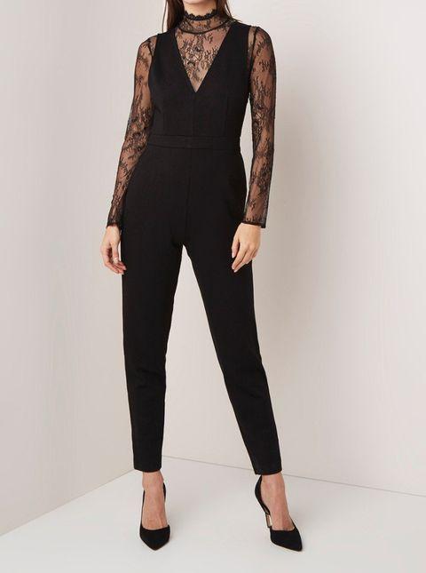 Clothing, Neck, Dress, Fashion model, Sleeve, Fashion, Leg, Waist, Shoulder, Formal wear,