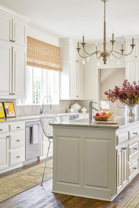 20 Chic French Country Kitchens, French Country White Kitchen Cabinets