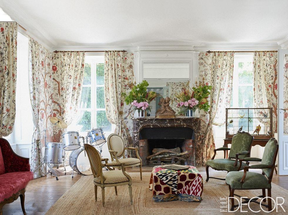 English countryside living room decor