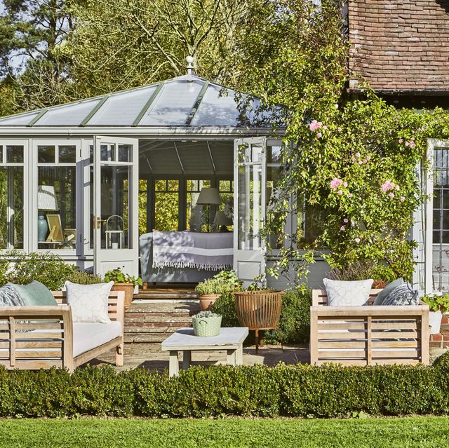 10 Ways To Create A Backyard Oasis: 76 Best Patio Designs For 2019