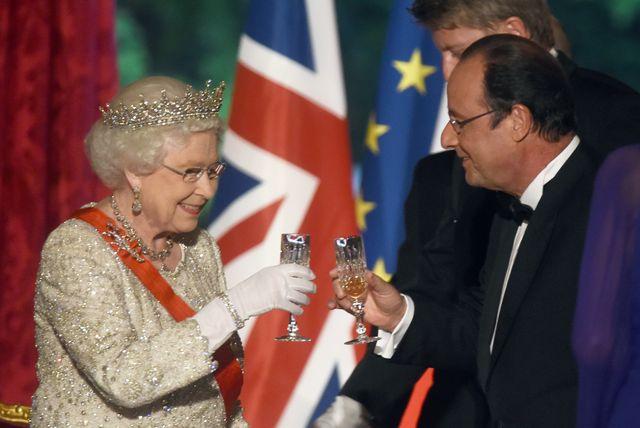 queen elizabeth ii on official visit in paris