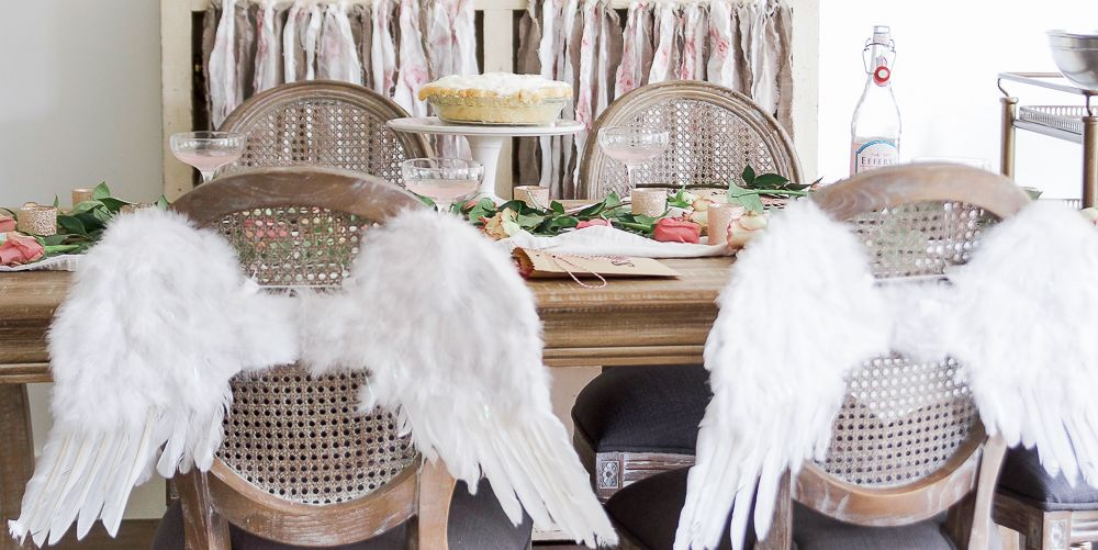 10 Valentine's Day Tablescape Ideas That'll Make You Fall In Love