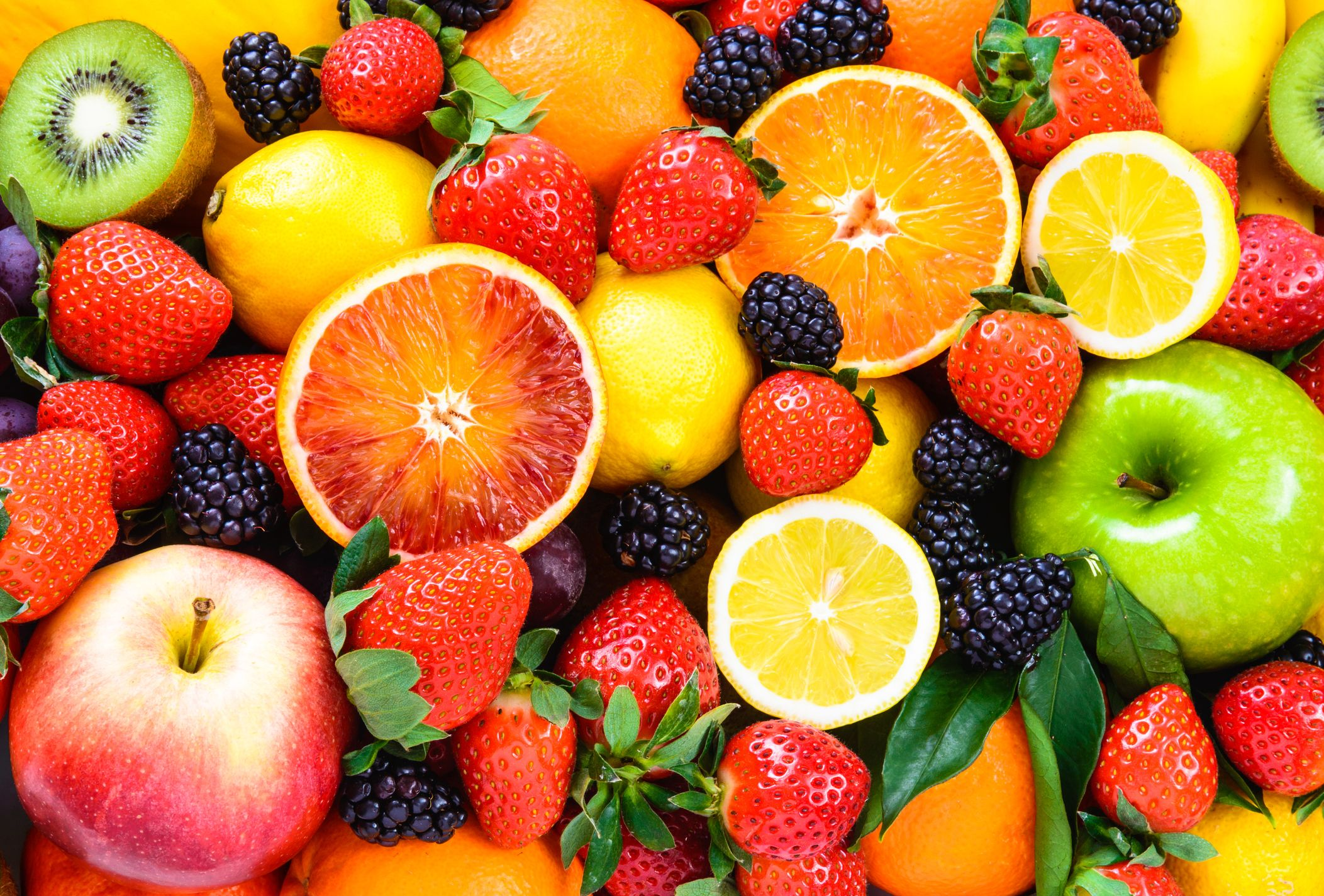 10 Fruits With Super-High And Low Sugar Counts
