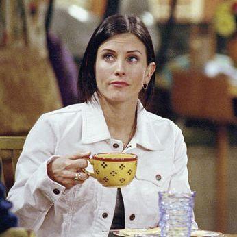 Friends - Courteney Cox as Monica Geller & Matthew Perry as Chandler Bing