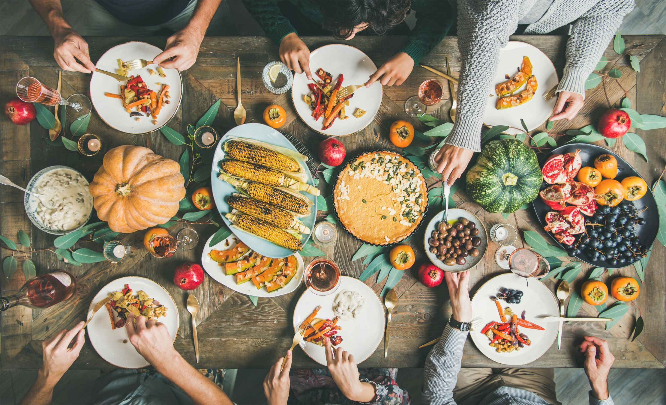 10 Friendsgiving Ideas To Plan The Ultimate Potluck With Friends