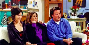 Courteney Cox, Jennifer Aniston and Matthew Perry in Friends (2002)