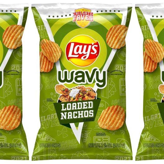 frito lay lay's wavy loaded nachos chips