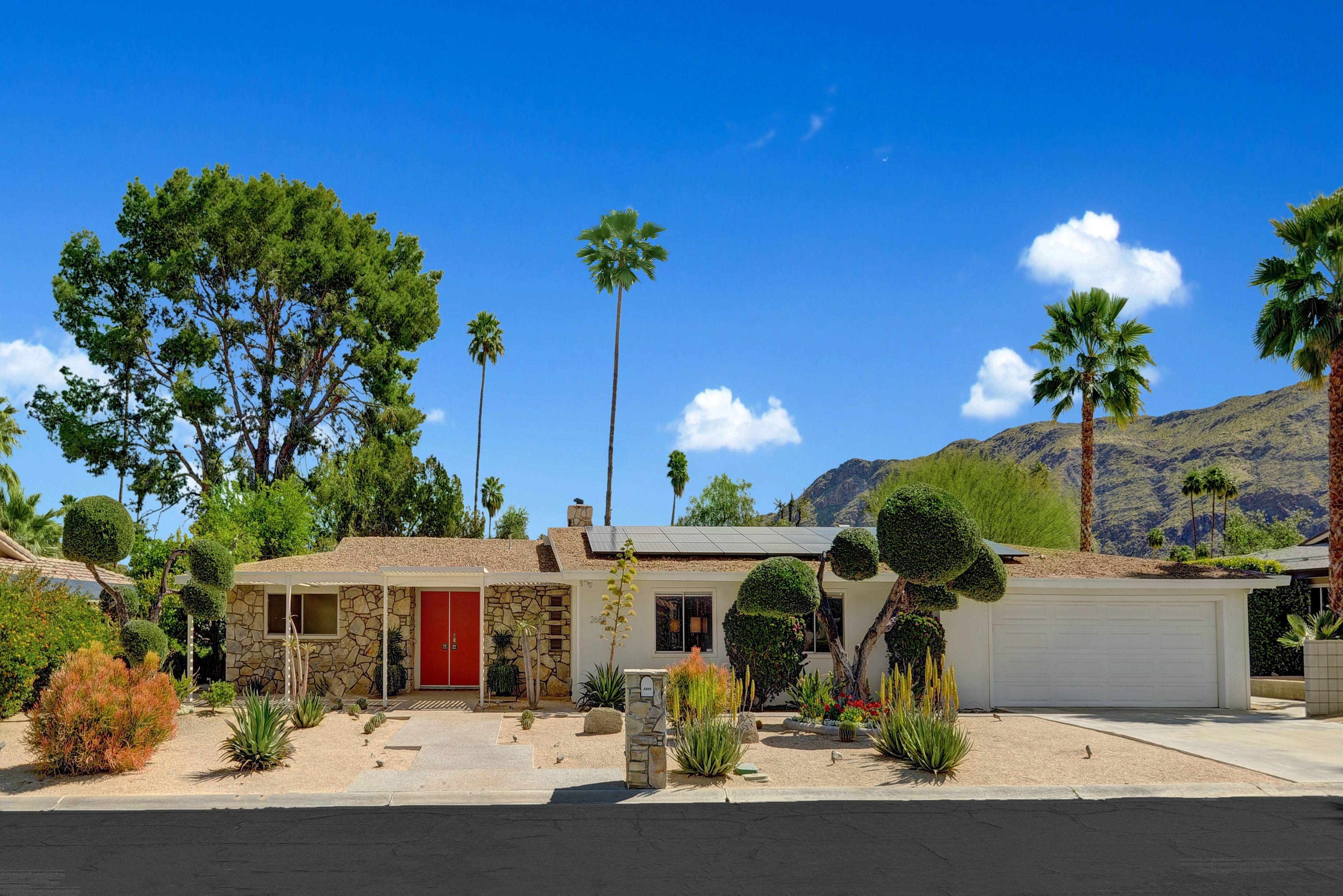 "Walt Disney's Former ""Technicolor Dream House"" is on the Market $1.095 Million"