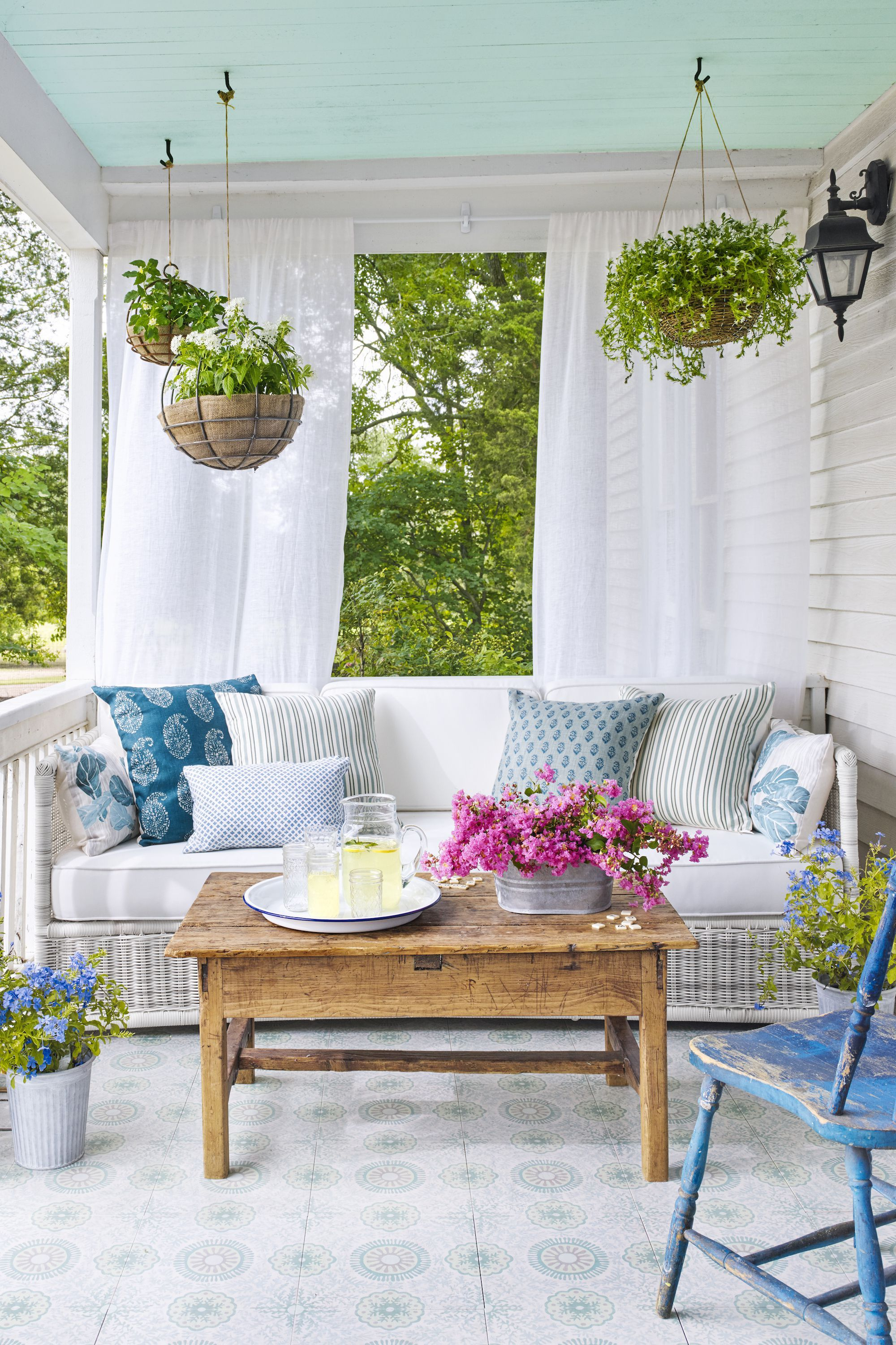 18 Front Porch Ideas - Designs and Decorating Ideas for Your ...