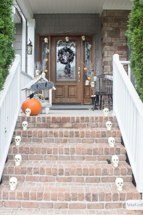 47 Outdoor Halloween Decorations Porch Decorating Ideas For Halloween