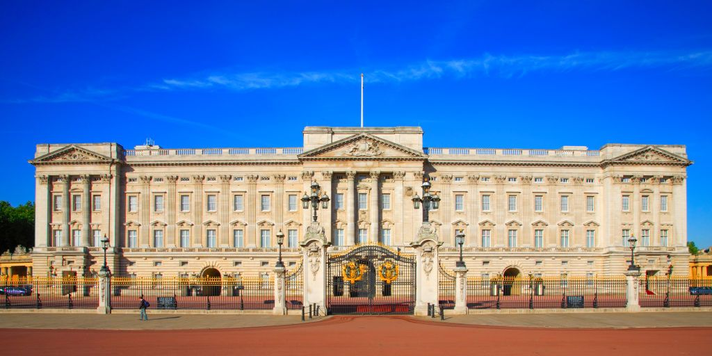 frontal view on buckingham palace news photo 1589481193 jpg?crop=1xw:0 74963xh;center,top&resize=1200:*.'