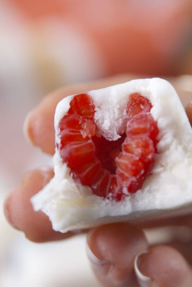 Valentine's Day Snacks - Fro-Yo Fruit Bites