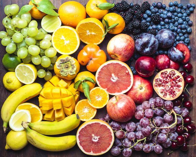 frutta di diversi colori