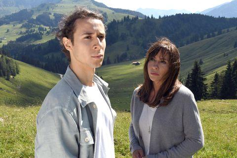 Katja Baumann (Simone Thomalla) y Freddie Löffler (Jascha Baumm) en la películas 'Quiéreme cuando puedas', de la serie Frühling