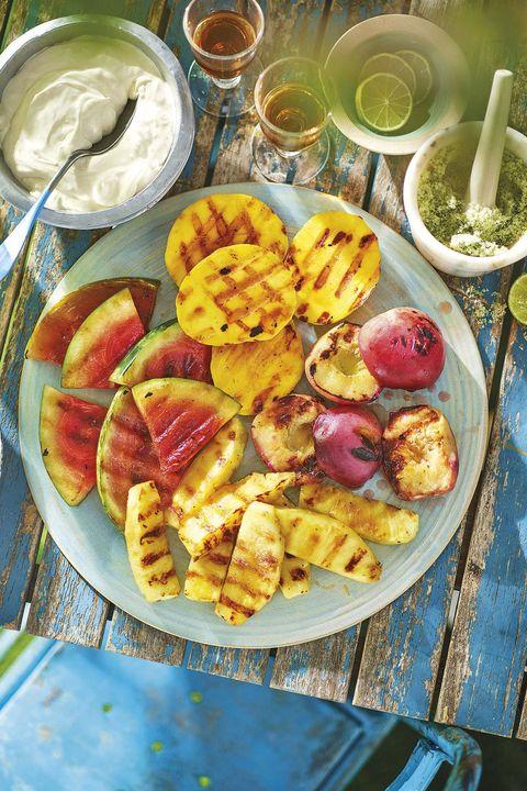 fruta con azúcar de menta y mascarpone