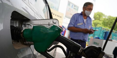 petrol price touches  100 in india