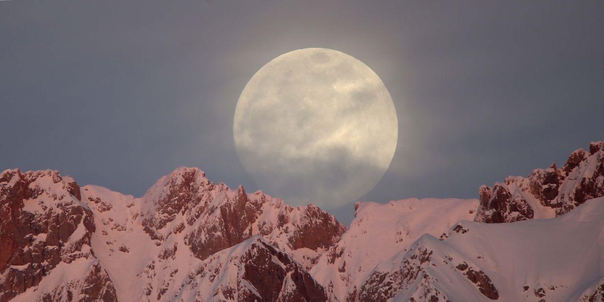 Full Moon In February Snow Moon Will Bring Moon Closer