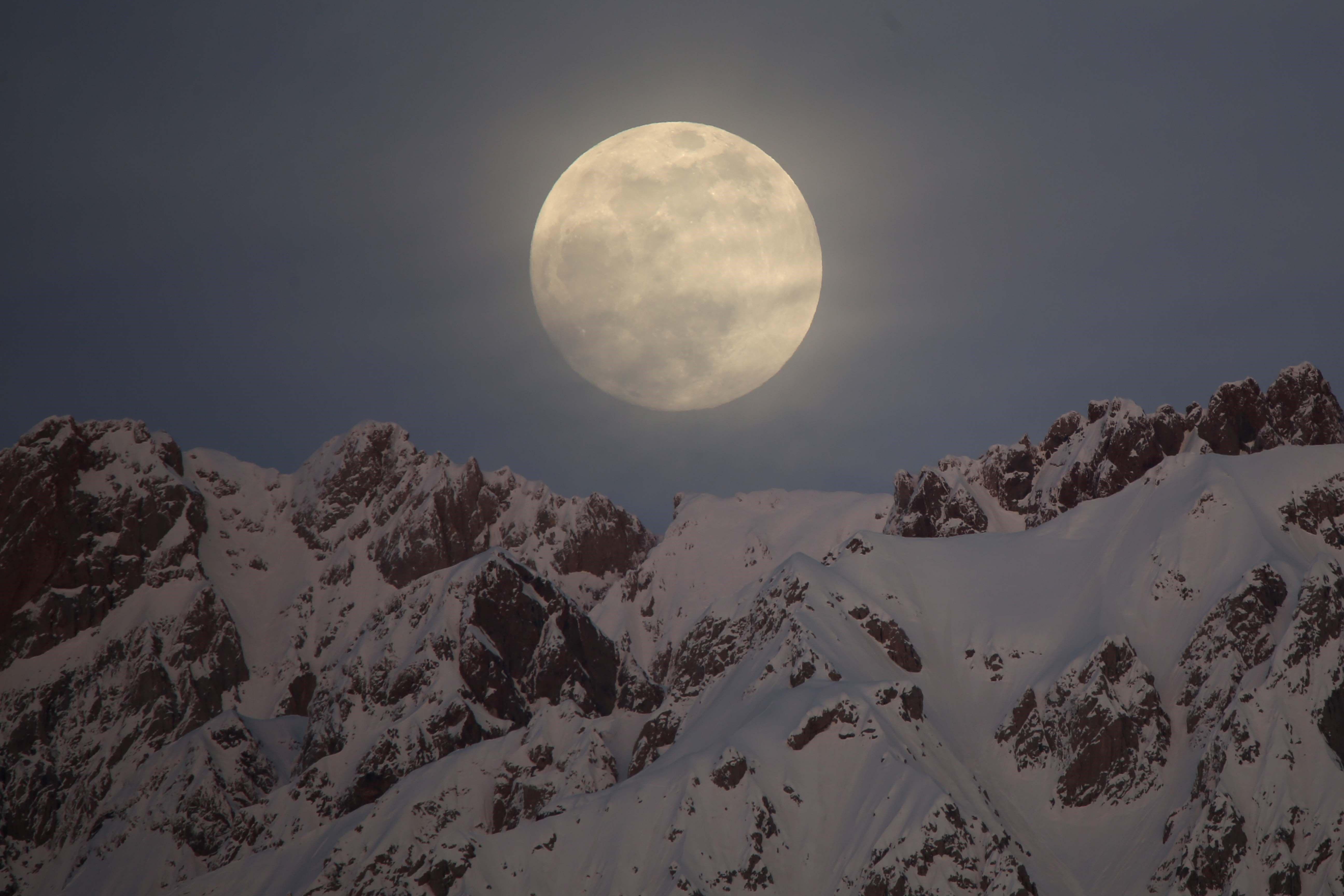 月 満月 2020 2 2020年水瓶座の新月と獅子座の満月。「わたしだけのムーンガイド」申込み受付開始!