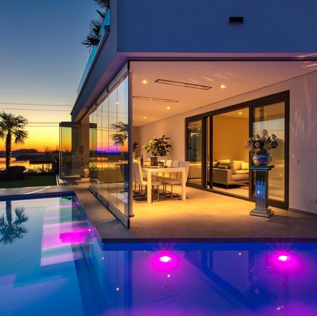 Property, House, Home, Swimming pool, Building, Lighting, Real estate, Architecture, Villa, Estate,