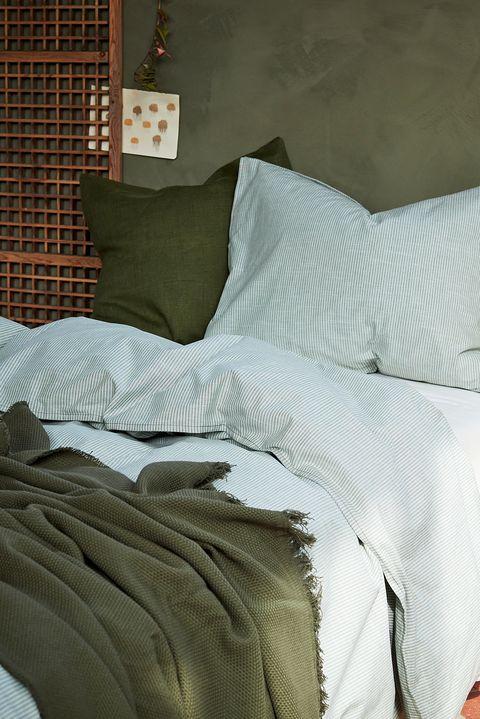 funda nórdica y almohada a rayas verdes