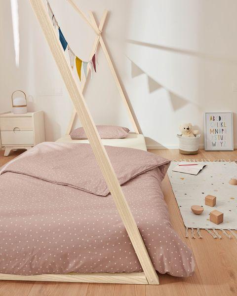 funda nórdica rosa con puntitos blancos